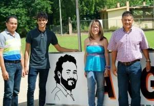 "Alcalde de Yabucoa (""Rafy"" Surillo) junto a líderes comunitarios de parcelas Martorell"