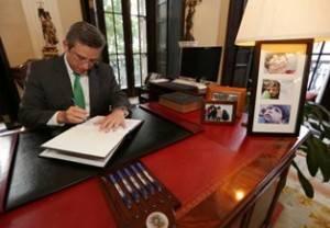 Gobernador - firma - Ley