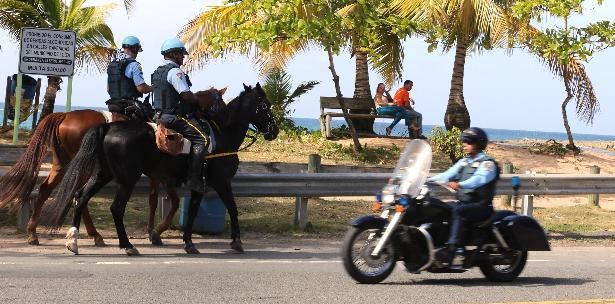 Policia montada-playa