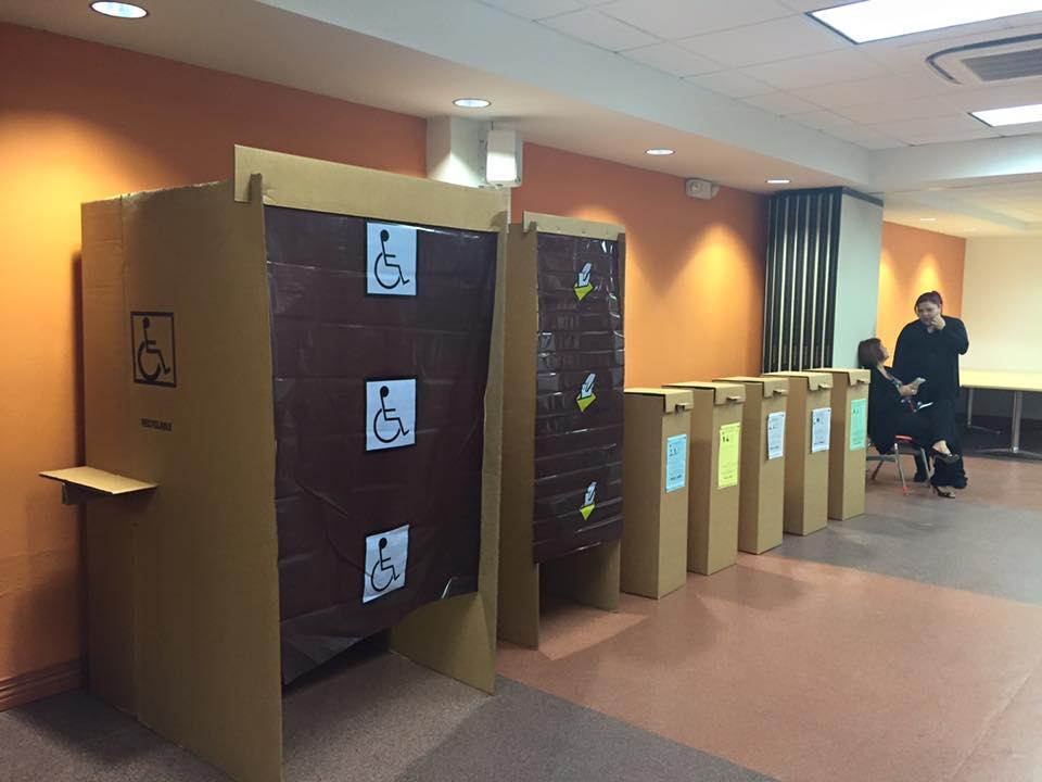 urnas votaciones papeletas