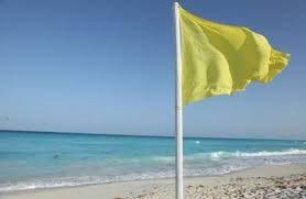 Resultado de imagen para bandera amarilla  playas